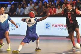 ronaldinho golazo en la premier de futsal de la india foto