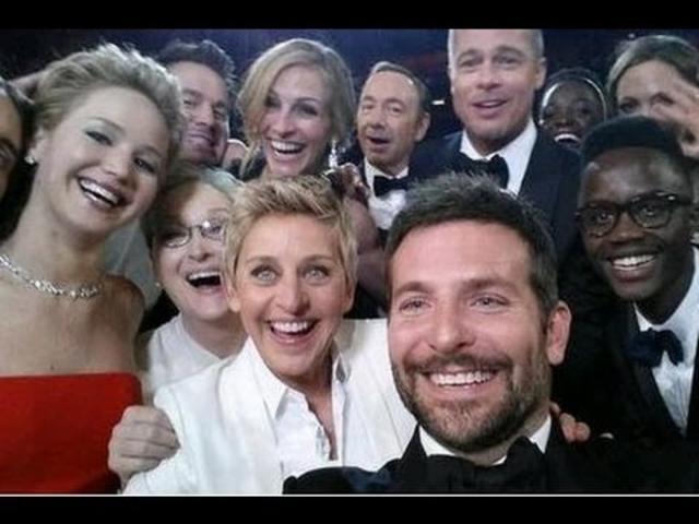 Ellen DeGeneres OSCARS 2014 Funniest Moments : All Star Selfie, Pizza & Monologue
