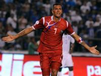 Blas  Pérez anota el gol del empate para Panamá foto