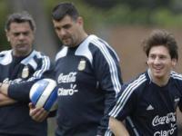 Carlos Dibos contra Leo Messi foto