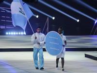 Erick Barrondo fue el encargado de portar la bandera y encabezar la delegación de Guatemala en la clausura de los Juegos Panamericanos de Toronto 2015