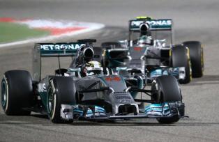 Lewis Hamilton y Nico Rosberg, ambos de la escudería Mercedes, hicieron el 1-2, respectivamente, en el Gran Premio de Baréin