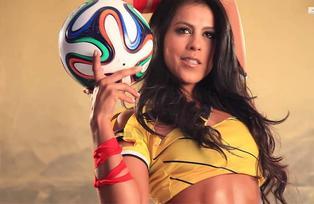 Angélica Camacho es una reportera colombiana que causa sensación en la Copa América
