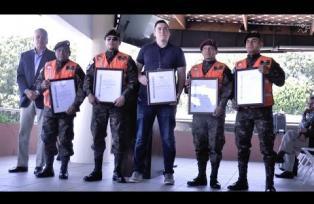 Julio Alvarado, sobreviviente del accidente aéreo es nuevo miembro honorario de Aeroclub Guatemala