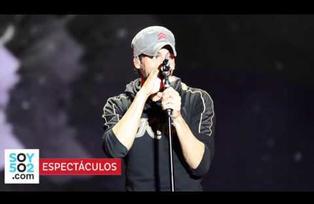 Enrique Iglesias se mostró muy cariñoso con una fan en su concierto