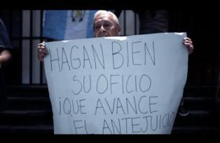 Ciudadanos protestan frente a la CSJ, piden declarar con lugar antejuicios contra Morales
