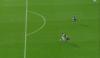 Entra de cambio en el Barça, comete descarada falta y lo expulsan