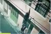 Sorprenden a ladrón en un segundo nivel y lo empujan por la ventana