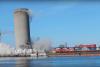 Demolición de silo de concreto se sale de control y daña biblioteca