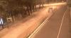 Video: vehículo a excesiva velocidad colisiona y pierde una llanta