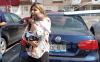 #LadyMadreDelAño encerró a su bebé en el carro bajo el sol