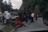 Bus Veloz Quichelense vuelca en la ruta Interamericana (video)
