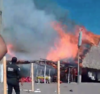 Voraz incendio consume negocios en la playa de Las Lisas (video)